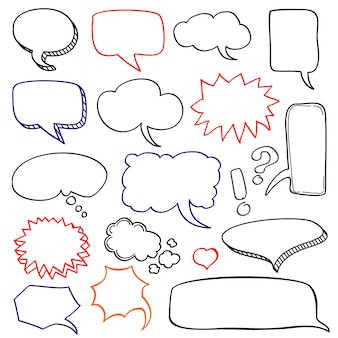 Jeu de doodle nuage de bulles de discours dessinés à la main
