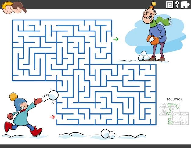Jeu éducatif de labyrinthe avec garçon et papa en hiver