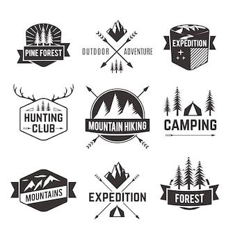 Jeu d'étiquettes d'emblèmes de tourisme