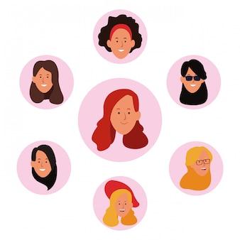 Jeu d'icônes de visages de femmes de dessin animé