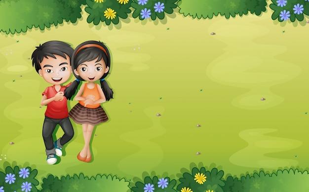 Un jeune couple au jardin vue aérienne