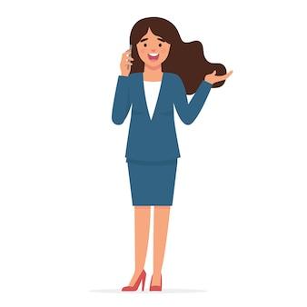 Jeune femme d'affaires reçoit des appels téléphoniques