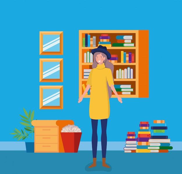 Jeune femme avec chapeau debout dans la bibliothèque