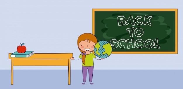 Jeune fille souriante dans la salle de classe, retour à l'école