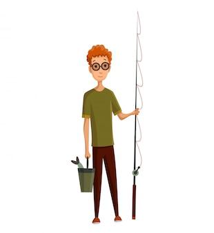 Jeune homme avec des lunettes, une canne à pêche et un seau dans ses mains. attrapé du poisson dans un seau. pêche réussie