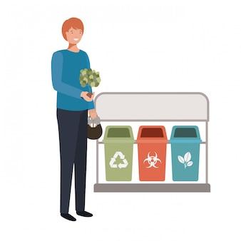 Jeune jardinier avec le personnage d'avatar de paniers de recyclage
