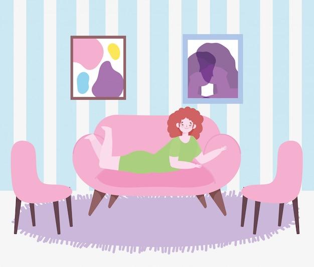 Jeunes femmes allongées sur un canapé dans la chambre avec des chaises dessin animé