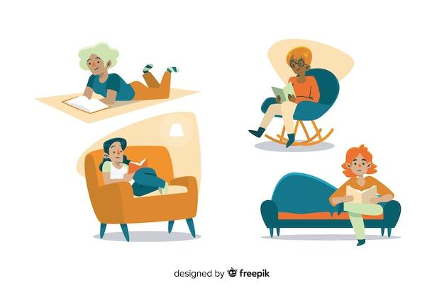 Jeunes gens lisant sur un canapé