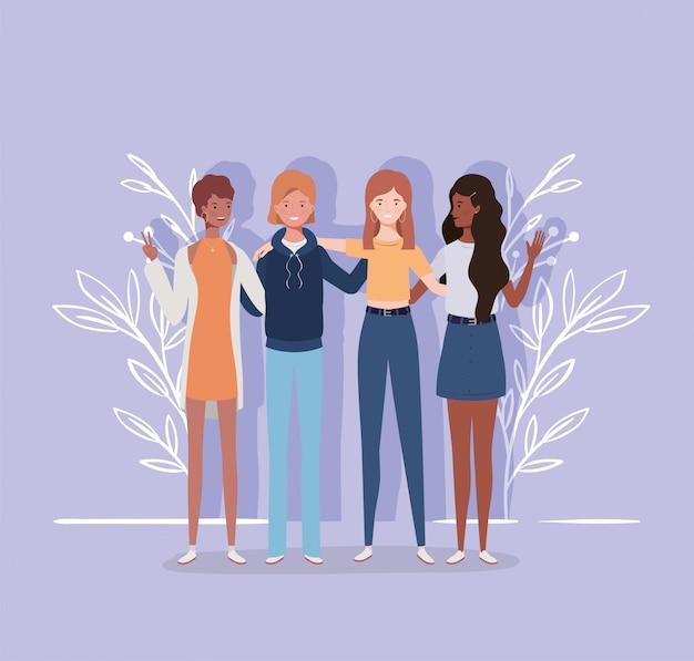 Jeunes et interraciaux personnages du groupe de filles