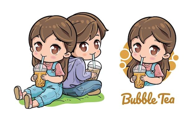 Joli couple appréciant le thé à bulles