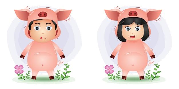 Joli couple utilisant le costume de cochon