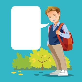 Joli garçon aller à l'école avec bulle de dialogue vide