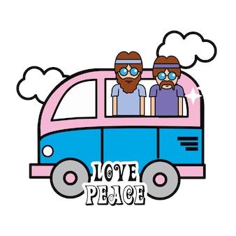 Joli minibus avec des nuages et des hippies à l'intérieur