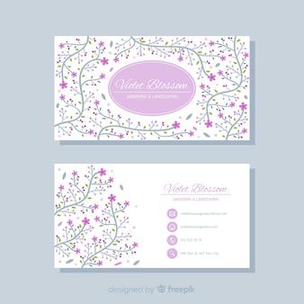 Joli modèle de carte de visite avec un design floral