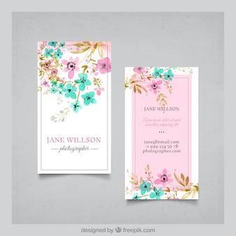 Jolie carte de visite de fleurs d'aquarelle