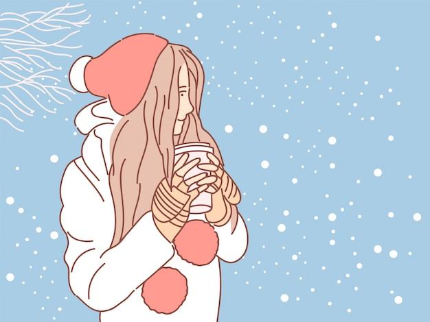Jolie fille sur fond de neige