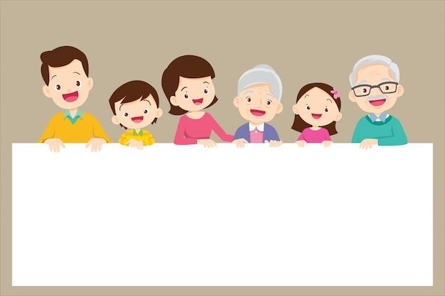 Jolie grande famille tenant des bannières vides