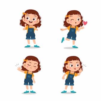 Jolie petite fille enfant pose avec divers ensemble d'expression