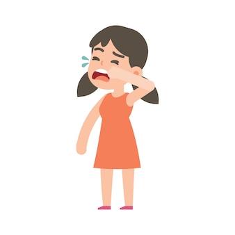 Jolie petite fille en pleurs