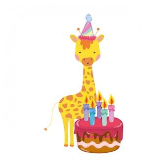 Jolie et petite girafe avec chapeau de fête et gâteau sucré