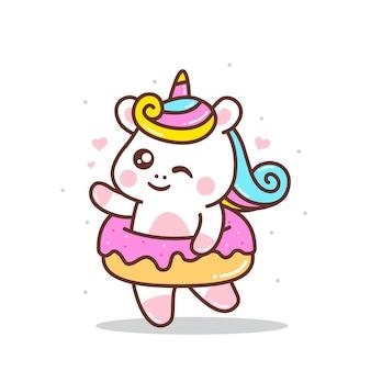 Jolie petite licorne avec beignet