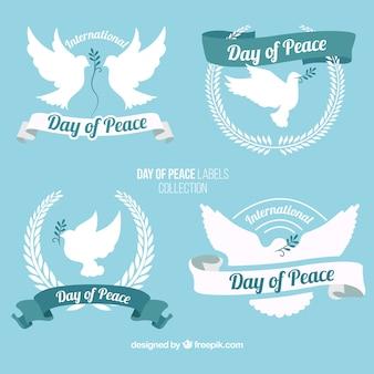Jour de paix beaux badges avec colombe