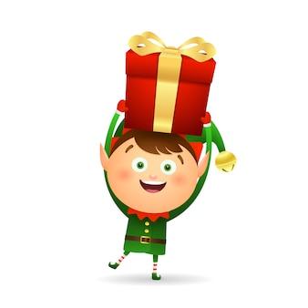 Joyeux elfe de noël donnant des cadeaux
