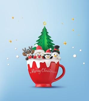 Joyeux noël et bonne et bonne année. père noël, bonhomme de neige, renne et pingouin sur tasse rouge avec de la neige.
