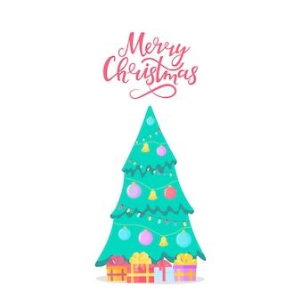 Joyeux noël lettrage à la main. sapin avec des cadeaux. épicéa décoré de boules et de guirlandes.