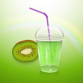Jus de kiwi réaliste dans une tasse en plastique.