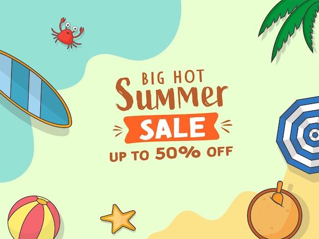Jusqu'à 50% de réduction pour la conception d'affiches de vente d'été avec des éléments de plage.