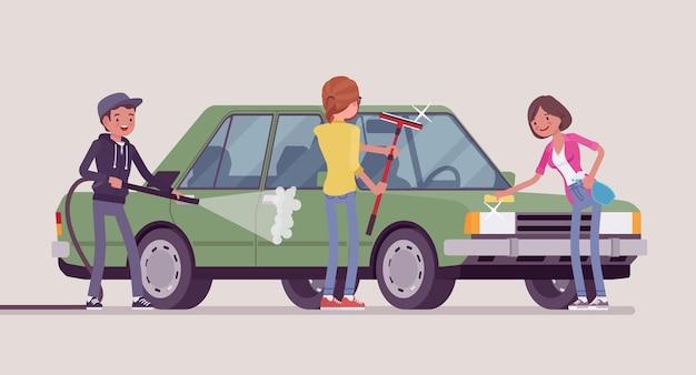Lavage à la main des voitures en libre-service pour les jeunes