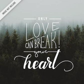 Lettrage à la main de coeur de coeur d'amour