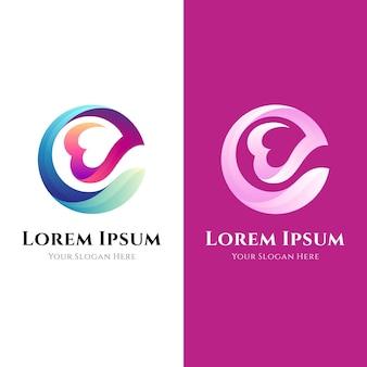 Lettre e avec concept logo coeur