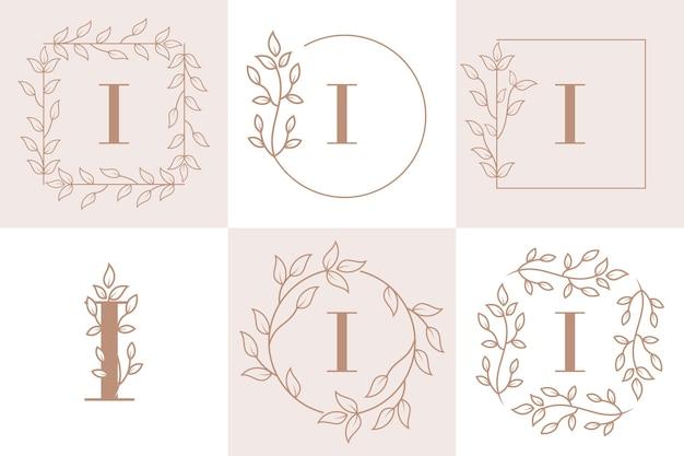 Lettre i initiale avec modèle de cadre floral