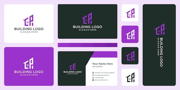 Lettre initiale p et logo de construction de maison avec carte de visite.