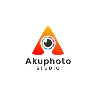 Lettre de lentille abstraite un logo