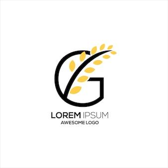 Lettre c avec logo feuille couleur or de luxe