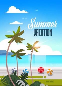 Lever du soleil palmier tropical balles de plage vue vacances d'été bord de mer mer océan lettrage vertical