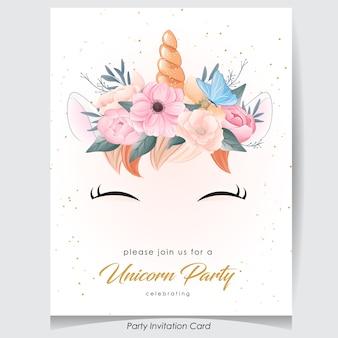 Licorne de doodle mignon avec illustration aquarelle