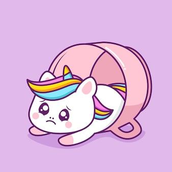 Licorne heureuse mignonne à l'intérieur de la tasse rose