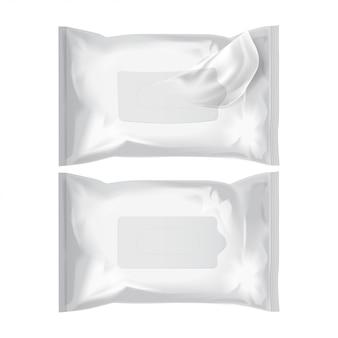 Lingettes humides. pack réaliste de vecteur sur blanc