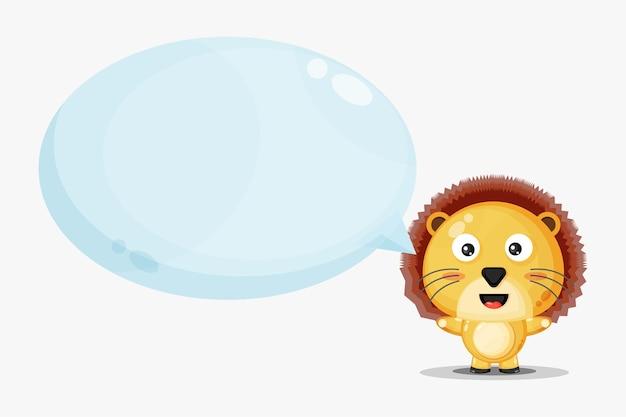 Lion mignon avec discours de bulle isolé sur blanc