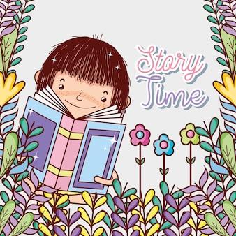 Livre de lecture de jolie fille dans le camp de fleurs