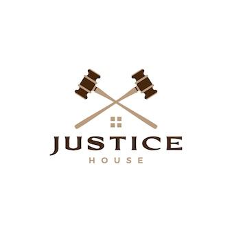 Logo d'avocat à la maison de maison de loi de marteau de justice