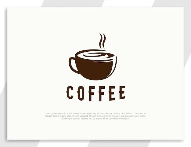 Logo de boisson au café chaud plat avec concept de design de tasse