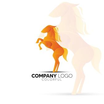 Logo coloré de cheval