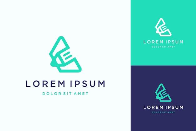 Logo de conception éducative ou monogramme ou initiales lettre c avec crayon