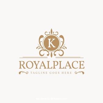 Logo dans le style vintage et de luxe