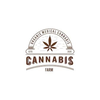 Logo emblème vintage de ferme de cannabis